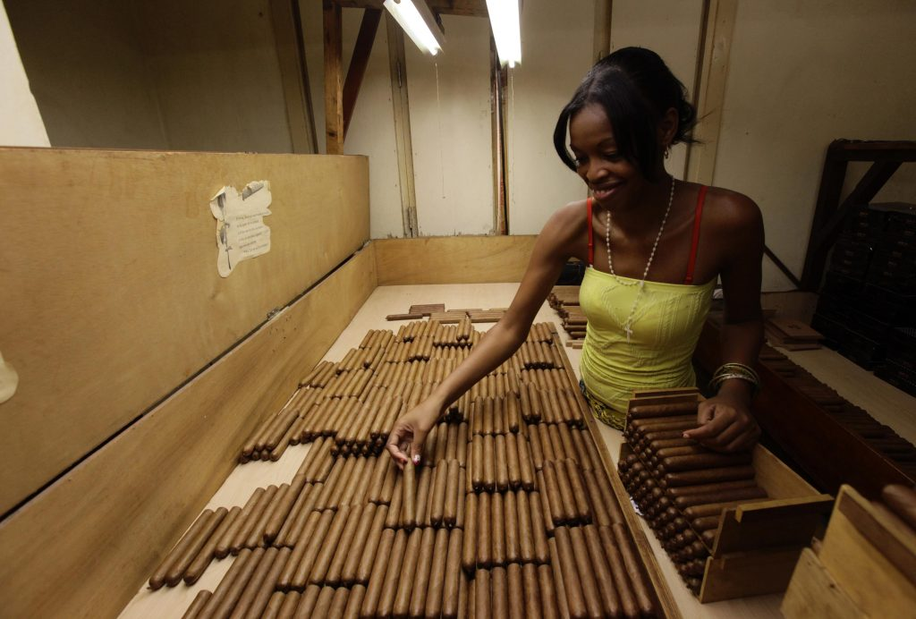 Производство кубинских сигар